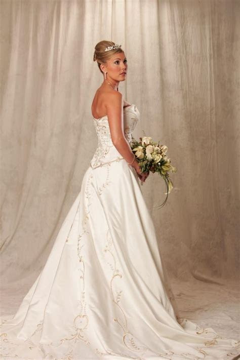 Eve Of Milady Wedding Dress   Tradesy