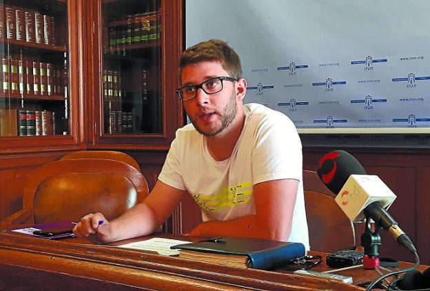 David Soto concretó ayer las propuestas recogidas en el dictamen suscrito por SPI. /  F. DE LA HERA
