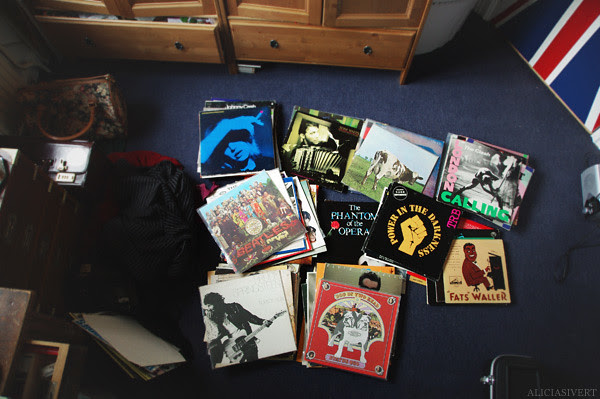 skivvårdardag, aliciasivert, alicia sivertsson, record, record collection, records, lp, vinyl, vinyls, lps, music, disc, album, albums, skivor, plattor, skiva, platta, musik, long play, tom waits, bruce springsteen, marianne faithfull, status quo, the phantom of the opera, fats waller, the clash, the beatles, jazz, blues, pop, rock, rock'n'roll, elvis costello, tom robinson band, trb