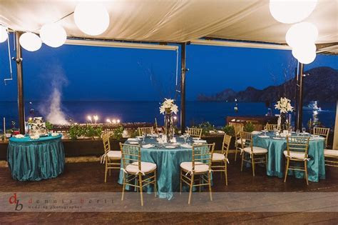 beach weddings casual and fancy beach table settings
