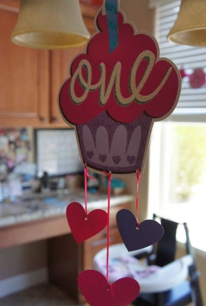 Anne's Odds and Ends: Baby Girl 1st Birthday Party - Pink ...