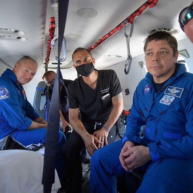 Aug02-2020-CrewDragon-splashdown3