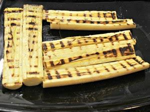 Palmito de punha grelhado servirá de base na montagem do prato (Foto: Adneison Severiano G1/AM)