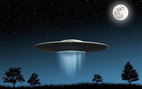 http://paranormalqc.com/wp-content/uploads/2015/09/ovni_nuit.jpg