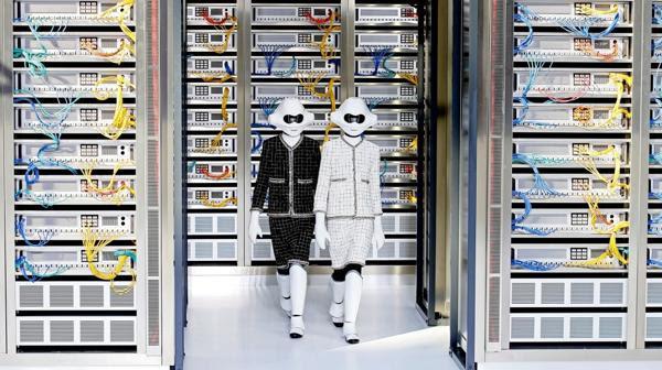 Resultado de imagen de chanel semana moda de parís robots