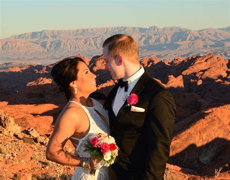 Valley of Fire Wedding Ceremony Package By Helicopter