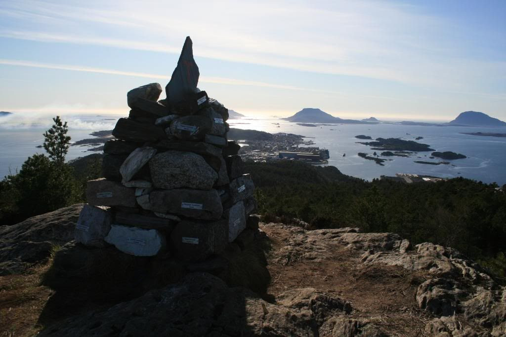 Opptur Varden - med utsikt mot havet i vest (Florø)