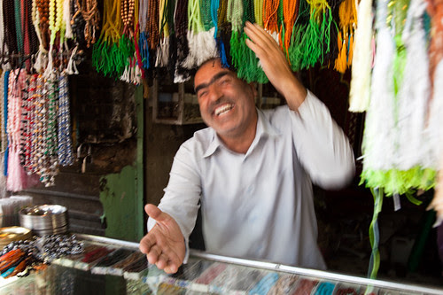 Flickr: Erwin Bolwidt (El Rabbit) - Happy salesman from Qom