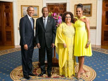 Blaise Compaoré y su mujer, recibidos por Barack y Michelle Obama en la Casa Blanca.