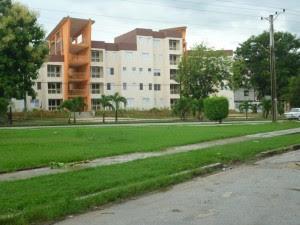 Edificio para oficiales del MININT terminado en julio en Boyeros - Foto de Augusto Cesar San Martin