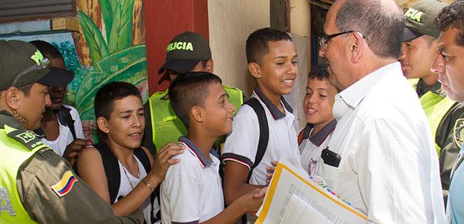 Educación oficial de calidad y deporte en la comuna 13, son prioridades para la administración caleña