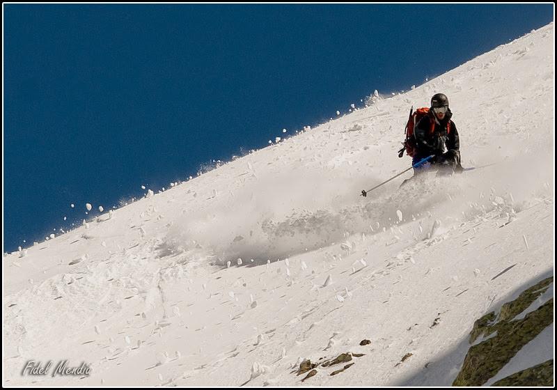 Ivan comienza el descenso de la cara norte del Tablato