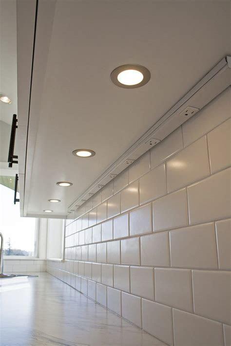 undermount outlets kitchen craftsman  west coast homes