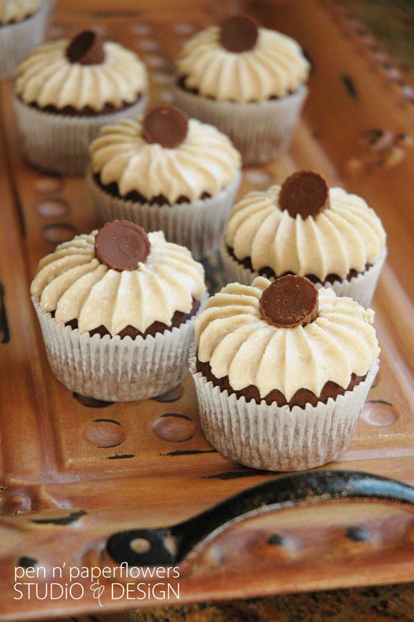 Chocolatepeanutbuttercupcake3678wm