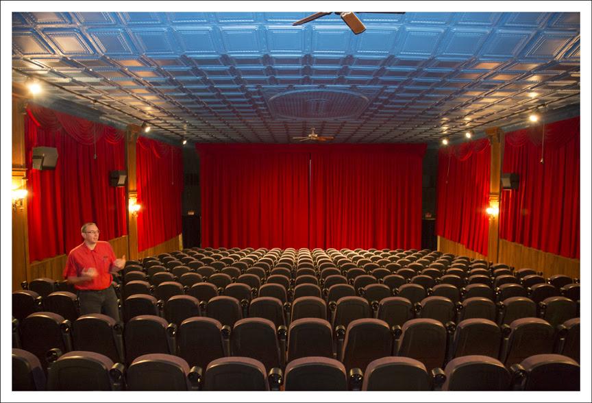Astro 3 Theater 1