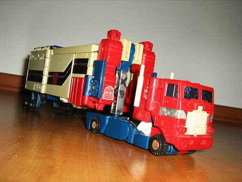 Powermasters Optimus Prime (truck form)