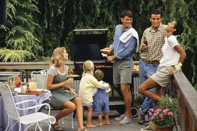 Keep Guests Coming Back with These Outdoor Entertaining Tips ...