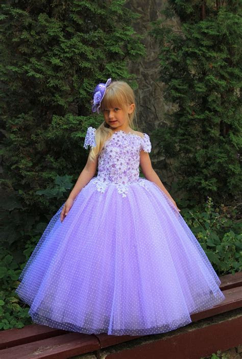 Lavender Fuchsia White Aquamarine Blue Pink Flower Girl