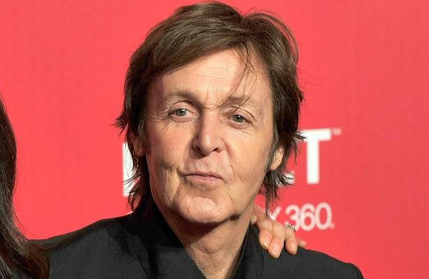 Sim, o bom moço Paul McCartney já foi preso. Em 1980, ele estava fazendo shows no Japão quando a polícia local descobriu que o ex-Beatle portava maconha. Ele passou nove dias no xilindró. E teve sorte: a pena poderia chegar a sete anos de trabalho forçado. (Foto: Getty Images)