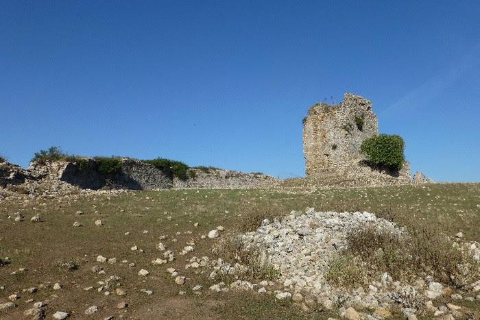 Foto de  Subida al cerro Pajarete para visitar las ruinas del castillo de Matrera.