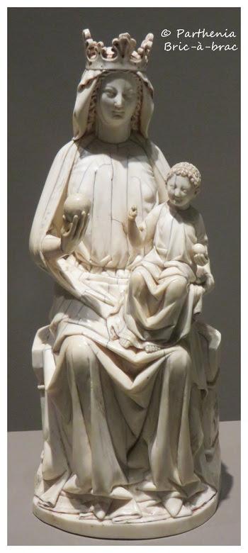 Vierge et l'Enfant trônant