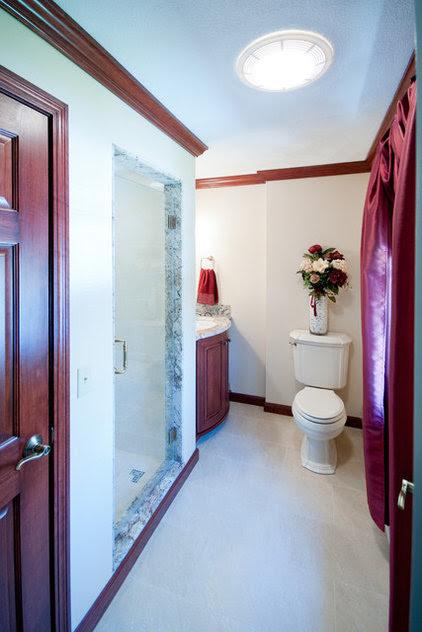 traditional bathroom by Nathan J. Reynolds-Poulin
