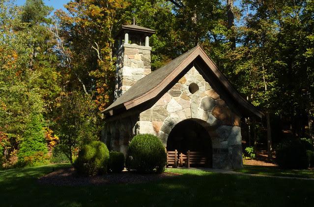 P1120923-2012-10-17-Barbara-Johnson-Prickett-Chapel-Westminster-School-Atlanta-full