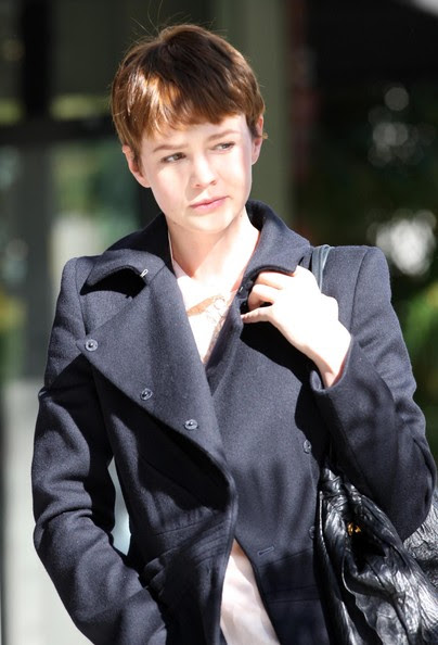 http://www3.pictures.zimbio.com/fp/Carey+Mulligan+Out+Beverly+Hills+ds4MLhZFnMbl.jpg
