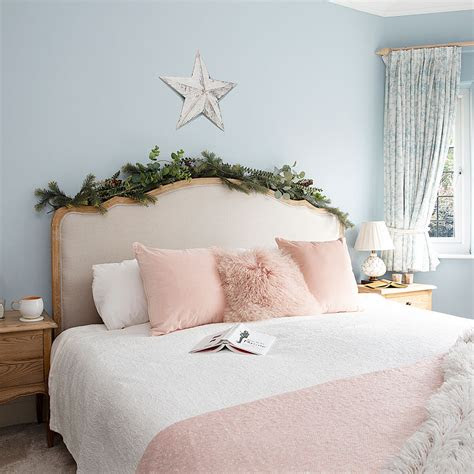 christmas bedroom decorating ideas