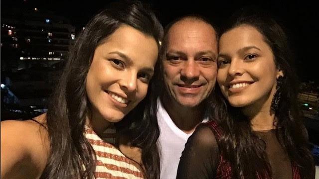 Emilly com o pai e a irmã Mayla no Rio