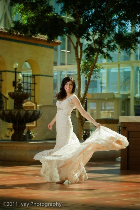 Karen?s Bridal Portrait ? The Gaylord Texan   Ivey