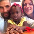 Bruno Gagliasso e Giovanna Ewbank adotaram a pequena Titi, como a menina é carinhosamente chamada, após idas constantes ao Malauí