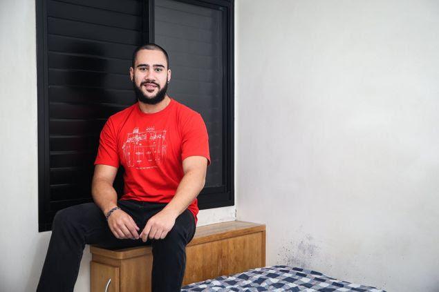 O matemático Guilherme Zuccolotto no seu quarto