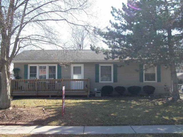 2211 W 35th St, Davenport, IA 52806  Home For Sale and Real Estate Listing  realtor.com®