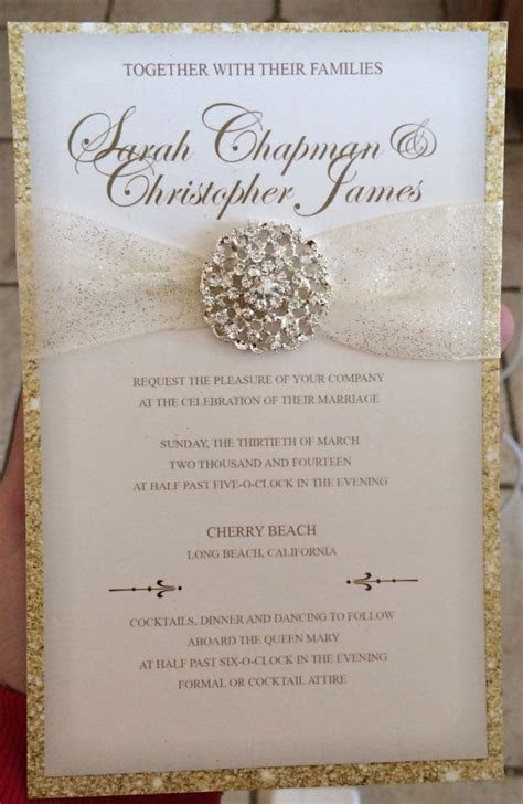 Luxurious Gold Wedding Invitation with Round by
