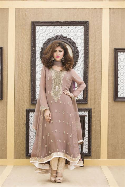 A COFFEE COLOR HAND EMBROIDERY BRIDAL DRESS   Exclusive
