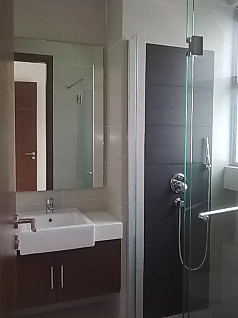 Small Modern Bathroo