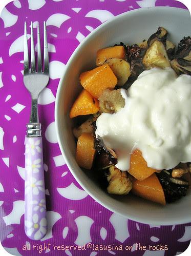 insalata calda zucca, melanzane, radicchio con topping di stracchino