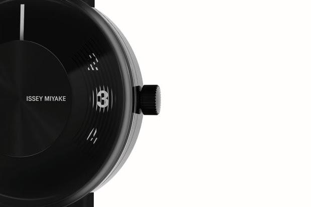 issey miyaki vue timepiece 4 Yves Behar for Issey Miyake Vue Watch   A Closer Look