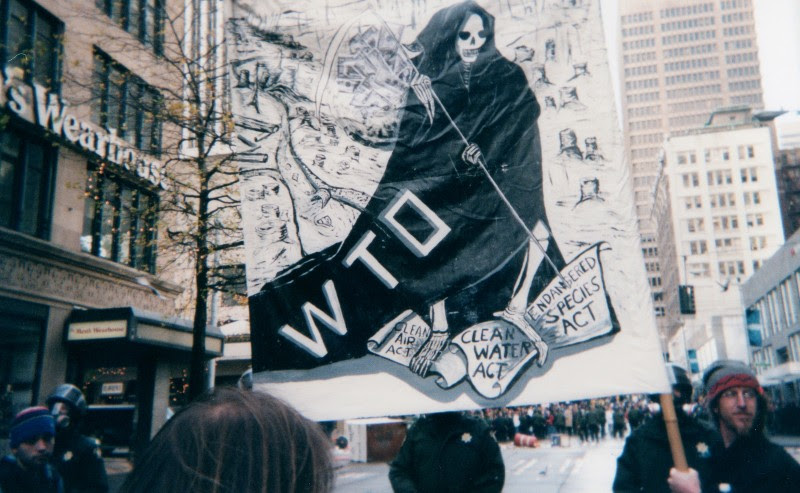 <p>Protestas antiglobalización contra la World Trade Organization. Seattle, 1999.</p>