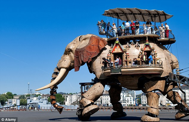 Trunk on the power: This giant mechanical elephant is one of the key attractions of Nantes