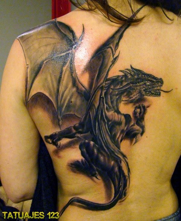 Un Dragón 3d En La Espalda Tatuajes 123