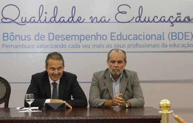 Governador anuncia bônus para professores das escolas da rede estadual. Foto: Roberto Ramos/DP/D.A Press