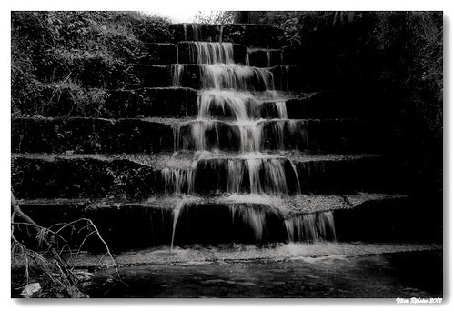 Water flow... by VRfoto