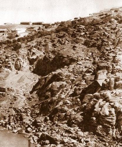 Torno del Tajo en Toledo en el lugar donde se levantaba el acueducto romano. Finales del siglo XIX