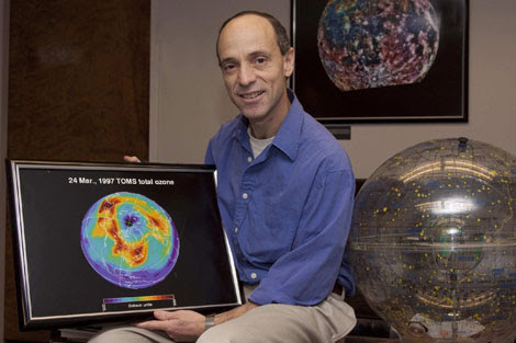 Drew Shindell, en su despacho del Goddard Center de la NASA.   Miguel Rajmil