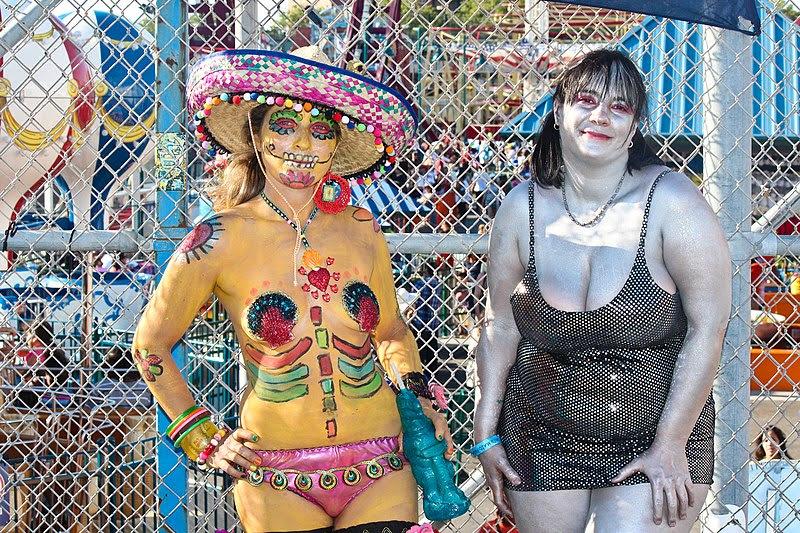 File:Coney Island Mermaid Parade 2012 (17).jpg