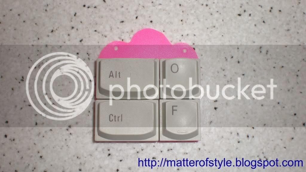 http://i747.photobucket.com/albums/xx113/annanever1/broken9.jpg?t=1292148452