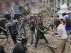 Japão envia equipe de resgate ao Nepal após terremoto