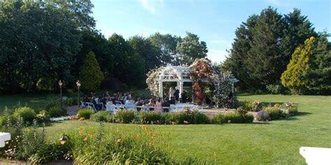 vineyards  aquebogue weddings  prices